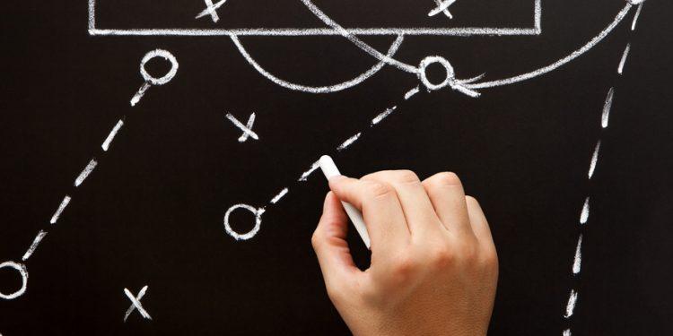 Estratégia e esquema tático de futebol