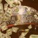 Quanto ganha o campeão da libertadores: Troféu da libertadores da américa com muito dinheiro na imagem